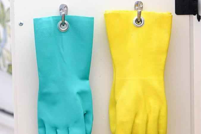 how-clean-your-house-fast-grommet-gloves-standard_aa1bf1ac8860196710a5134a38d177fa_860x573_q85.jpg